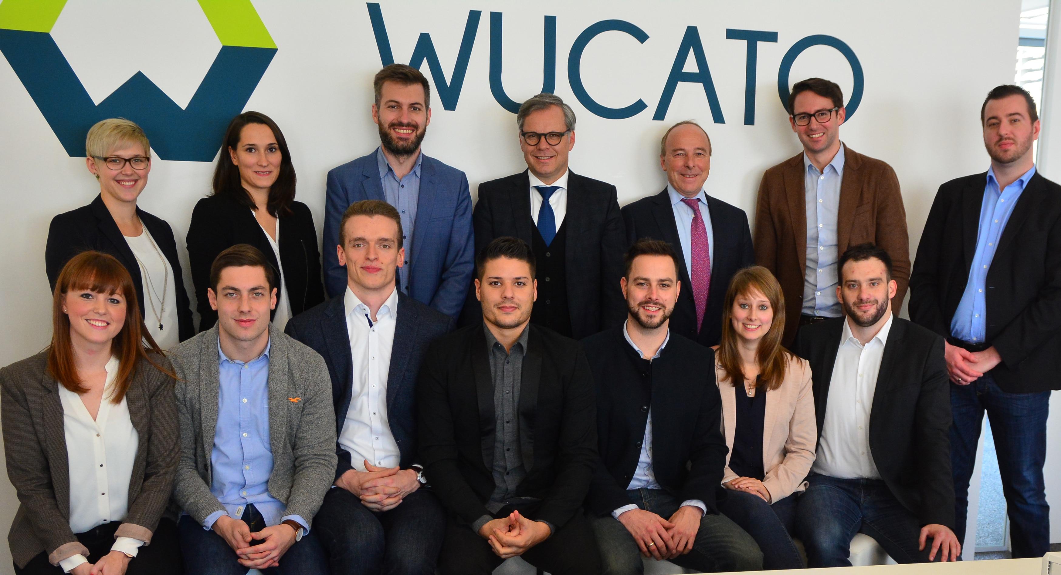 It's alive! Das WUCATO Team bei der Launch Party mit den Würth-Vorständen Bernd Herrmann (obere Reihe, 4. v.l.) und Peter Zürn (obere Reihe, 5. v.l.)