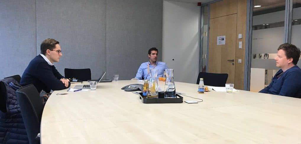 Im Gespräch mit Florian Böhme (Mitte) und Dr. Markus Schöberl (links) (Quelle: privat)