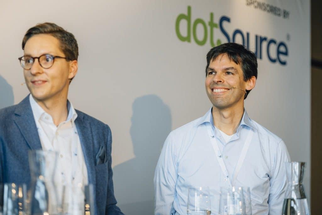Dr. Bernd Schönwälder von Mercateo (im Bild rechts, Foto: Phillip Eggers)